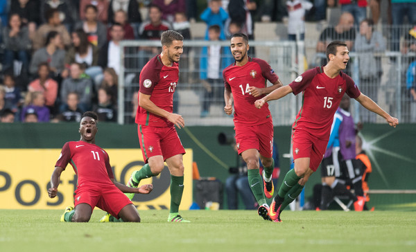 Photo of Portugal in the UEFA European U-19 and U-20 World Cup semi-finals, beating Finland