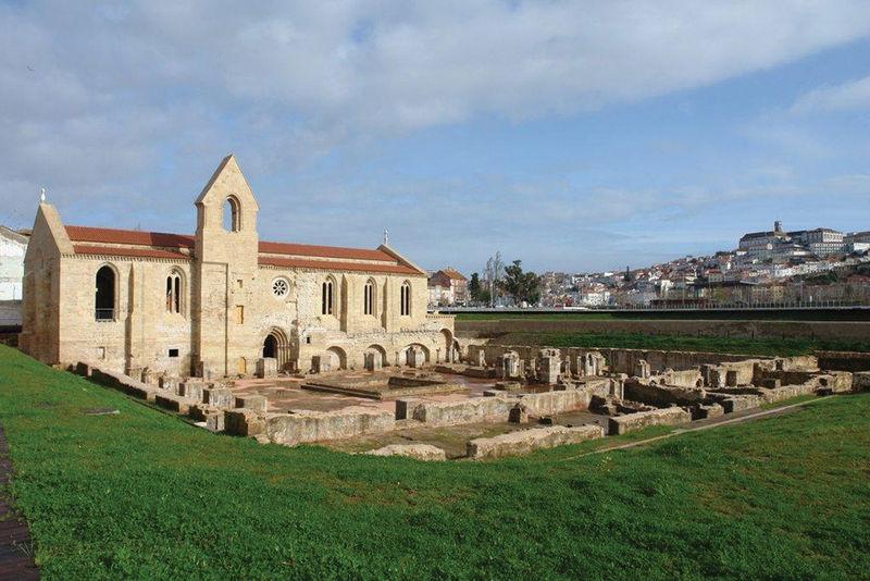 Photo of Monastery of Santa Clara-a-Velha, in Coimbra, receives jazz again in August