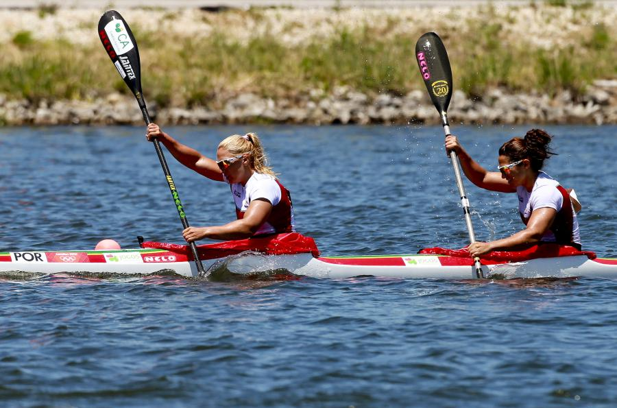 Photo of Teresa Portela and Joana Vasconcelos in the K2 500 final