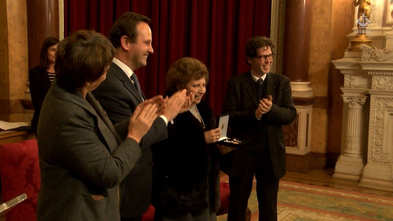 Photo of Maria da Graça Carmona e Costa receives today Cultural Medal of Merit