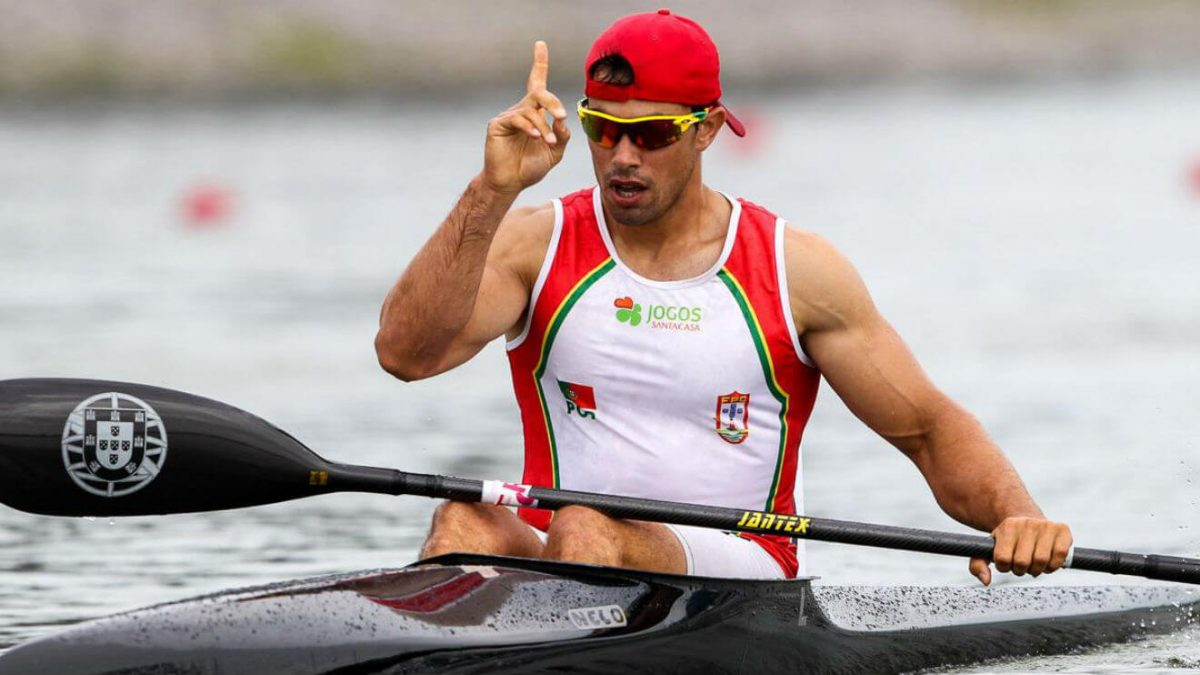Photo of Fernando Pimenta wins silver in K1 1000 meters