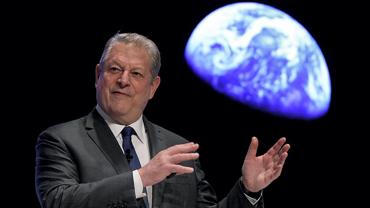 Photo of Al Gore in Porto on climate change impact conference