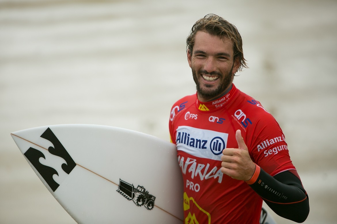 Photo of Frederico Morais advances to the 16 -th-finals at Jeffreys Bay