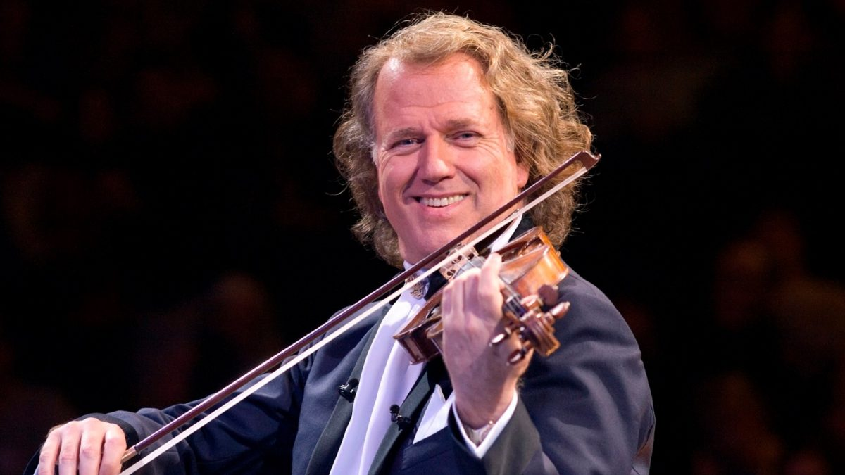 Photo of André Rieu starts today concert marathon in Lisbon