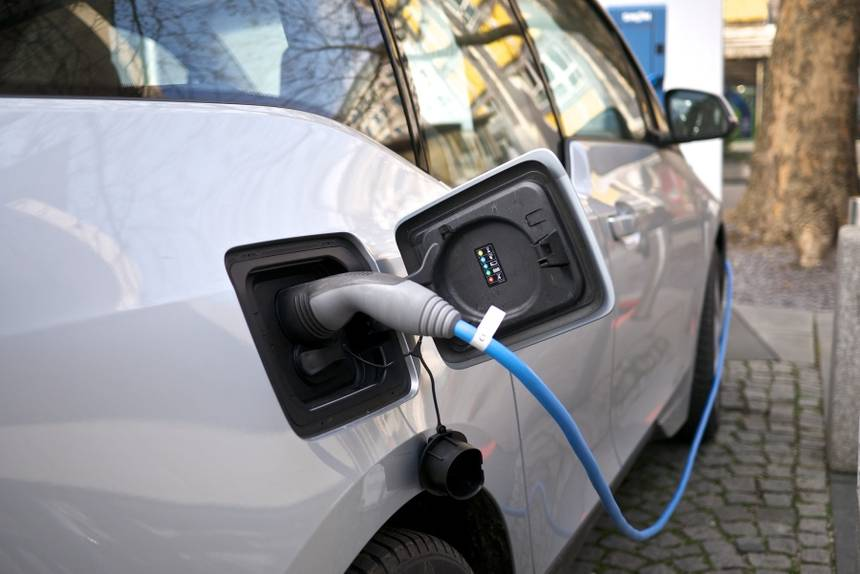 Photo of Charging of electric vehicles should be 10 to 20% less than diesel