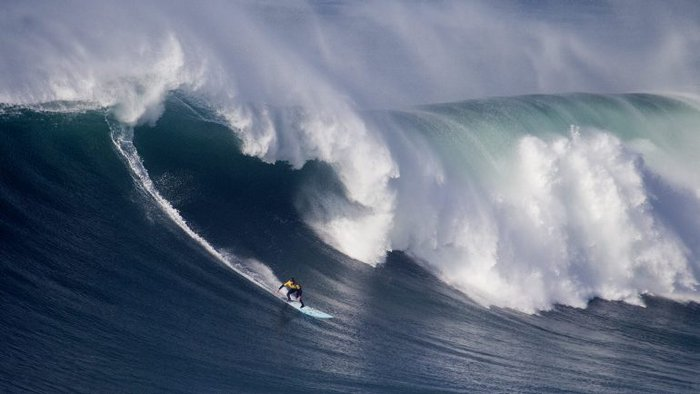 Photo of Luso surfers ambitious to triumph in the giant waves of Nazaré