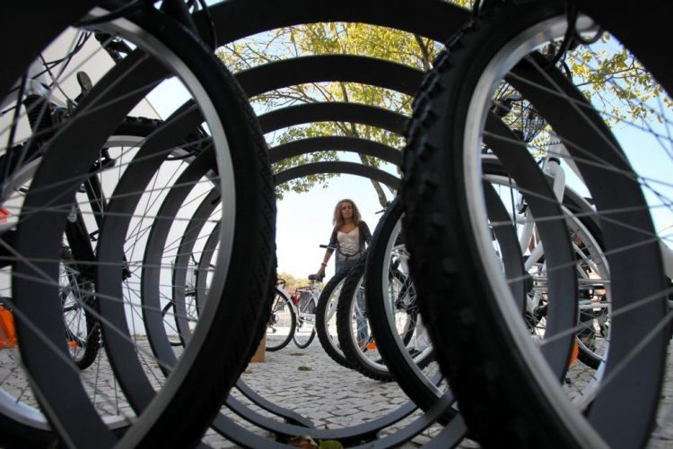 Photo of 'Train' of bicycles that takes children to school recognized by WHO