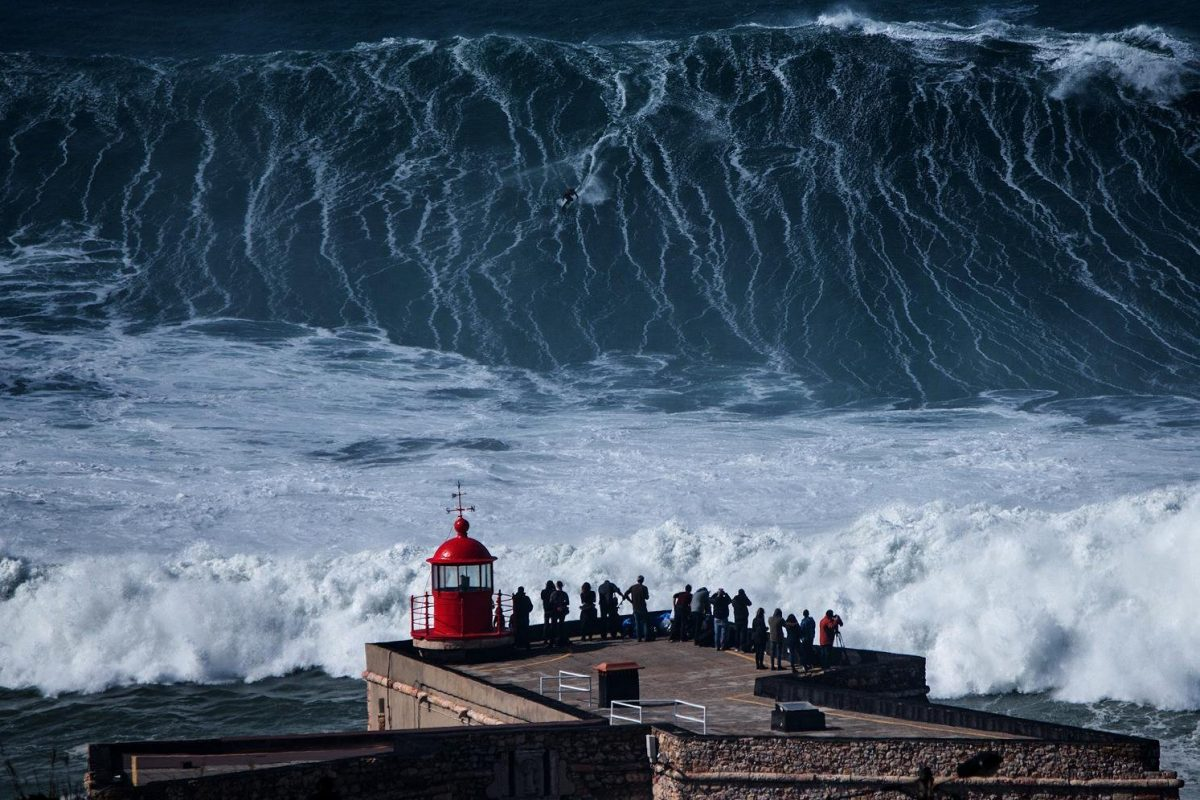 Photo of Nazaré receives special 'giant' wave event on Sunday