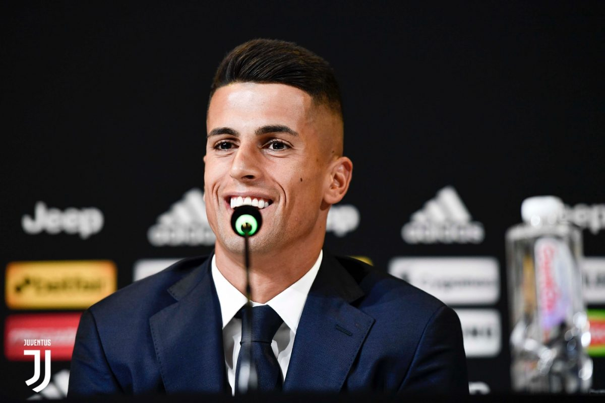 Photo of Cancelo elected the best right-back of 2017/18 in Italy