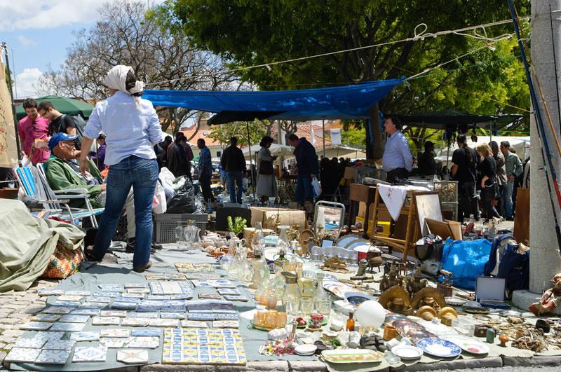 Go For Bargains At Feira Da Ladra Portugalinews