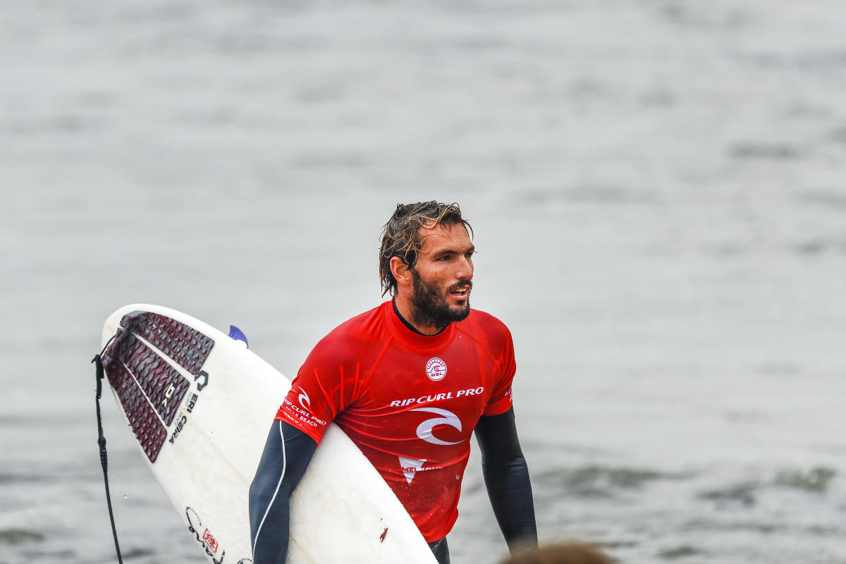 Photo of Frederico Morais in the semi-finals of the surfing worlds