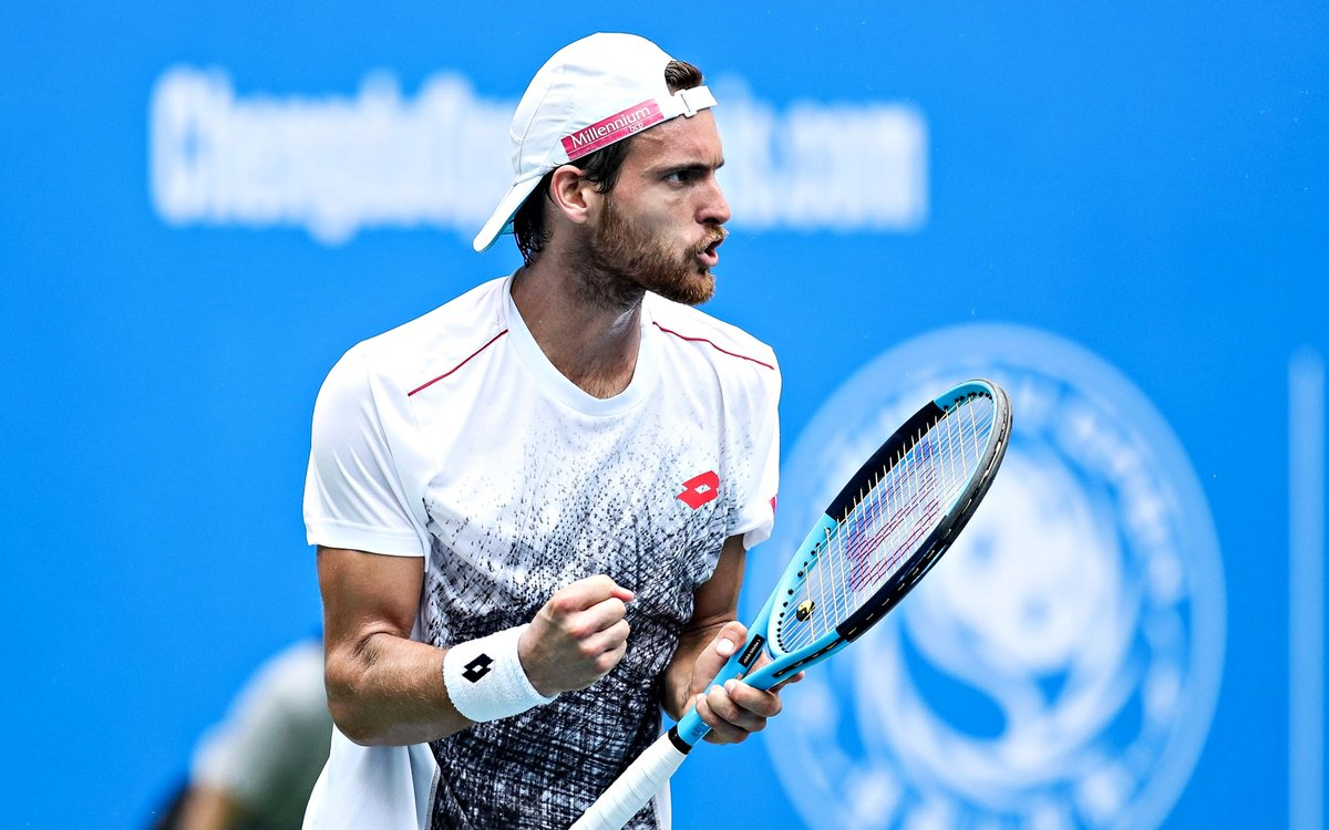 Photo of João Sousa falls with three places in a ranking with highlight to Federer