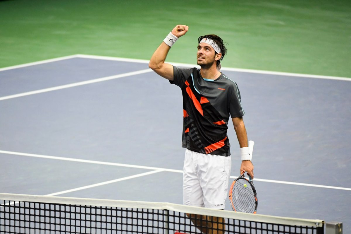 Photo of Gaston Elias in the quarterfinals of Orlando 'challenger'
