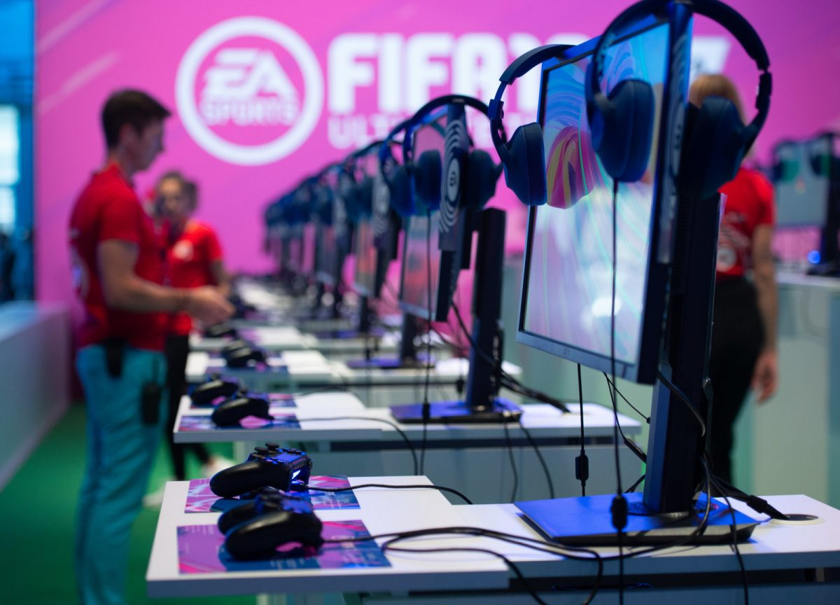 Photo of FIFA creates video game competition for national teams