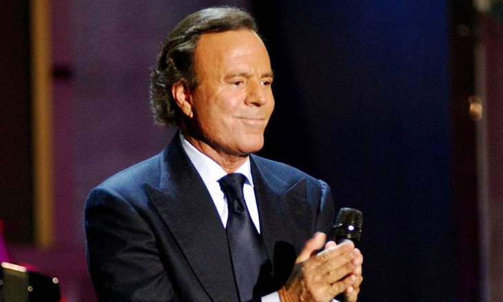 Photo of Julio Iglesias attends June 29 in Lisbon