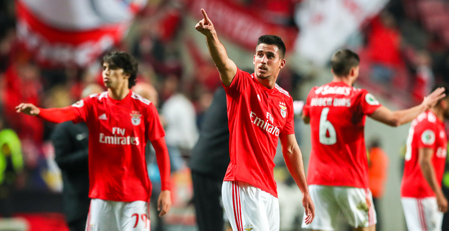 Photo of Benfica races in Minho with a beautiful Portuguese song and a Greek chord