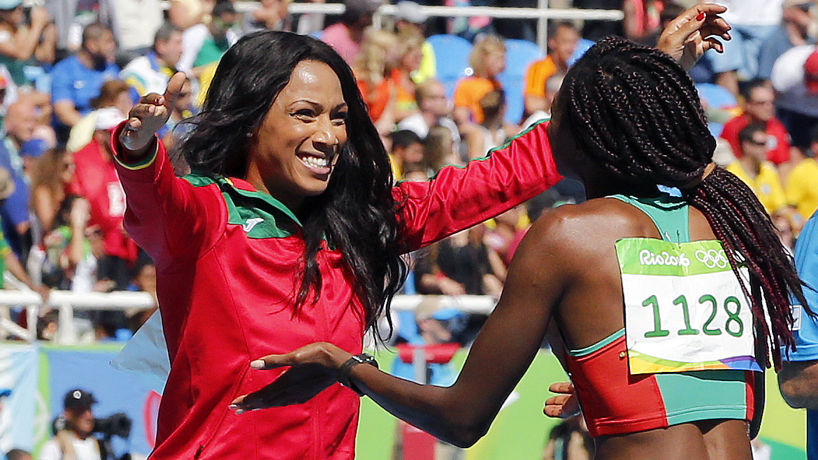 Photo of Susana Costa and Patricia Mamona in the final of the triple jump