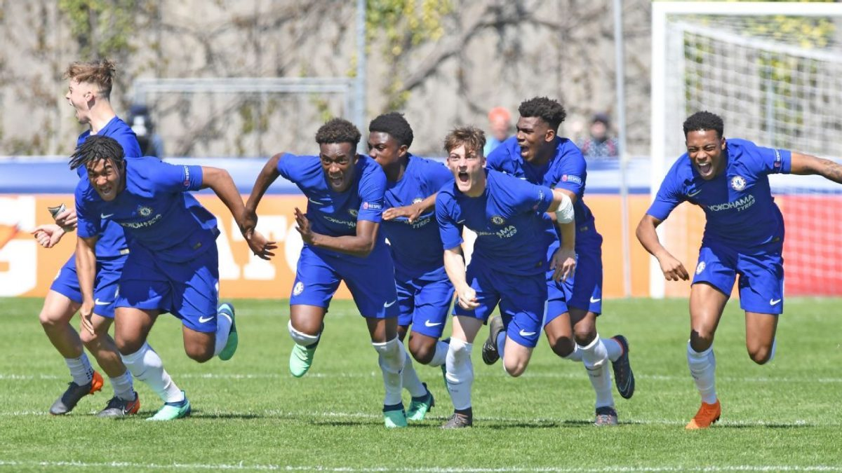 Photo of FC Porto dominates Tottenham and is in the UEFA Youth League 'quarters'