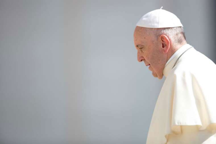 "Photo of Pope regrets that migrants fleeing find ""closed doors"""