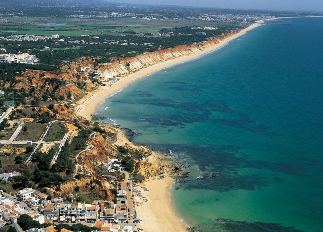 Photo of Praia da Falésia – Video