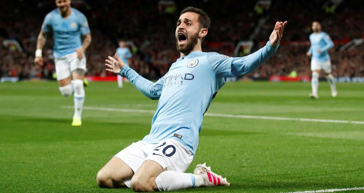 Photo of Bernardo Silva 'shines' the City title boots at Old Trafford