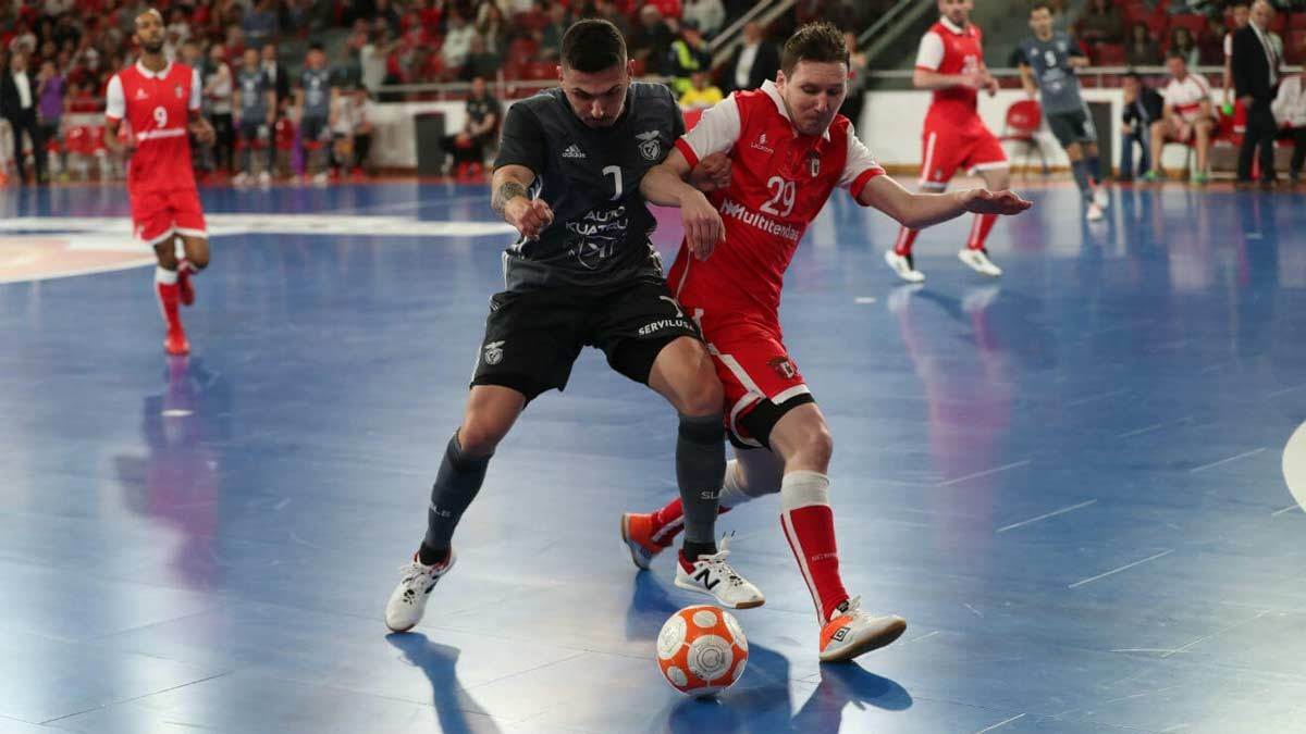 Photo of Benfica thrash in Braga and wins regular futsal championship phase