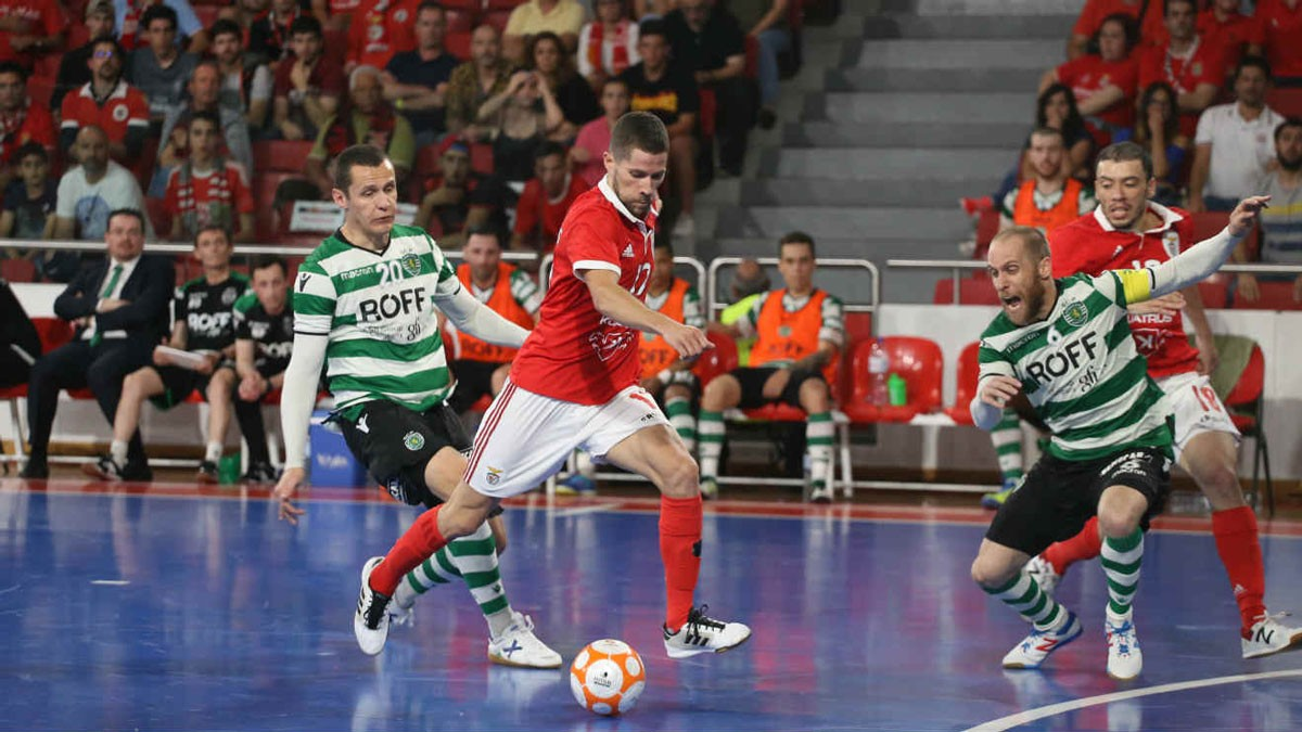 Photo of Sporting defeats Benfica and postpones decision of the title
