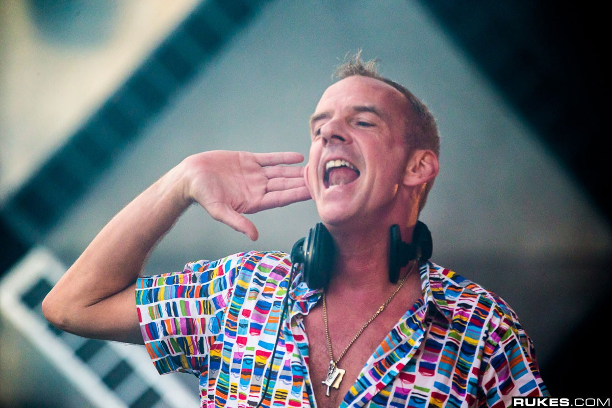 Photo of DJ Fat Boy Slim debuts as art curator challenged by Vhils