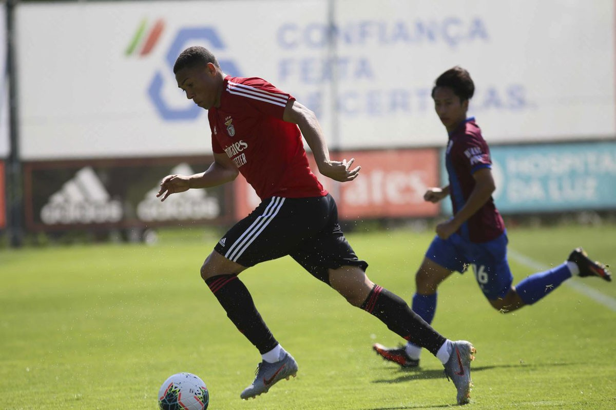 Photo of Benfica thrashes Cova da Piedade in another training game