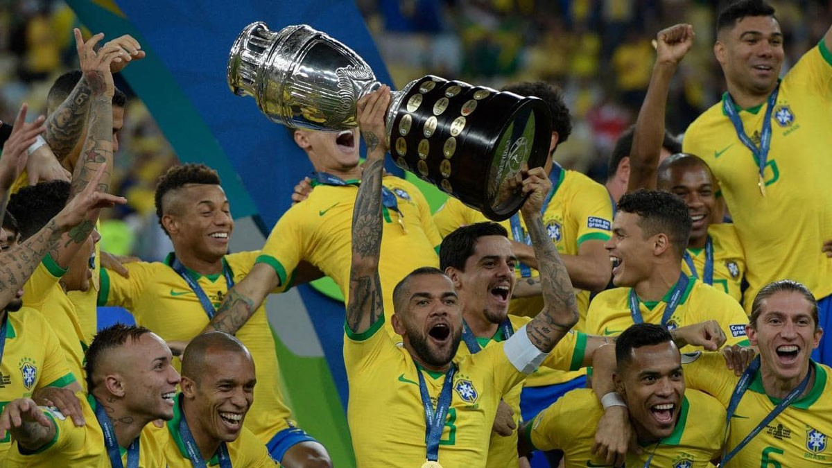 Photo of Dani Alves elected best player of Copa America'2019