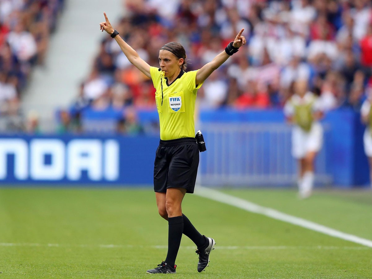 Photo of European Super Cup: Liverpool-Chelsea will be refereed by a woman