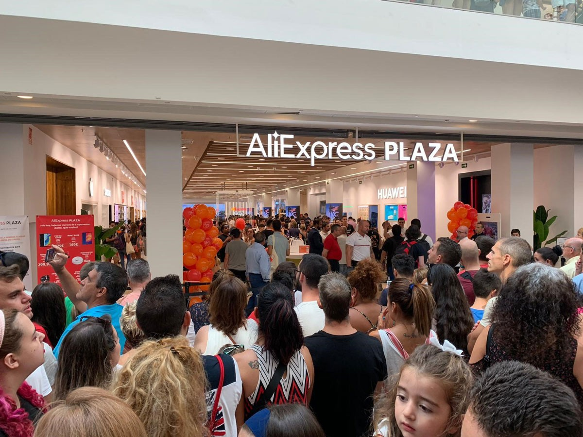 Photo of First AliExpress physical store in Europe opens in CBRE managed commercial center in Spain