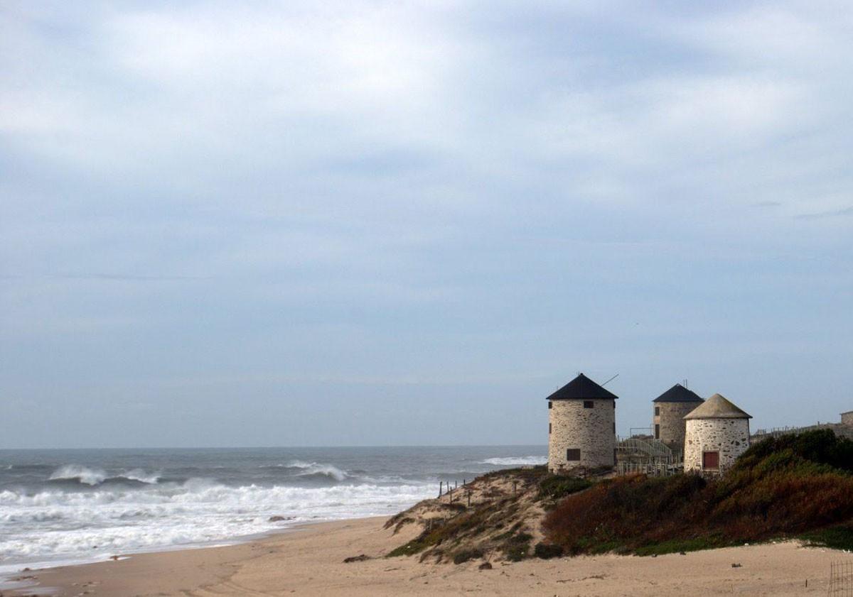 Photo of Praia da Apulia (Apulia Beach) – Video