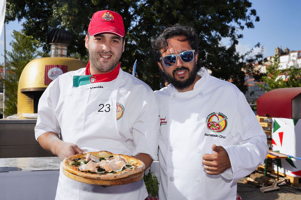 Photo of The best pizza in Portugal at your service!