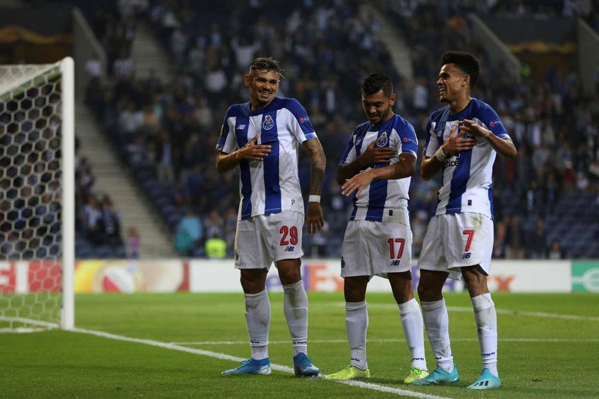 Photo of FC Porto wins against Young Boys in Porto