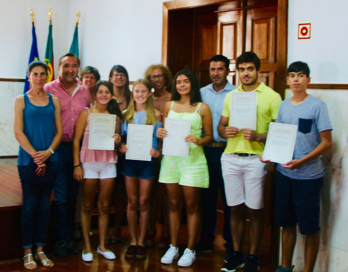 "Photo of São Brás de Alportel Municipality gave the ""best students in the county"" awards"