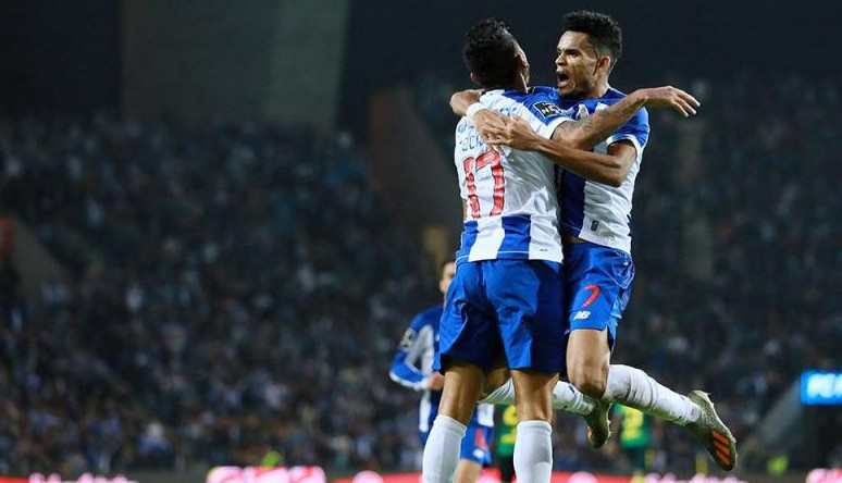 Photo of Porto defeats Famalicão and shares leadership with Benfica