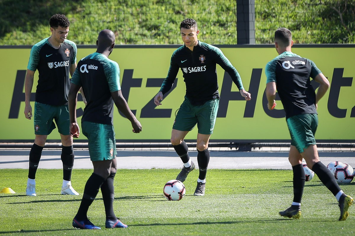 Photo of Portugal trains for the last time before recieving Luxembourg