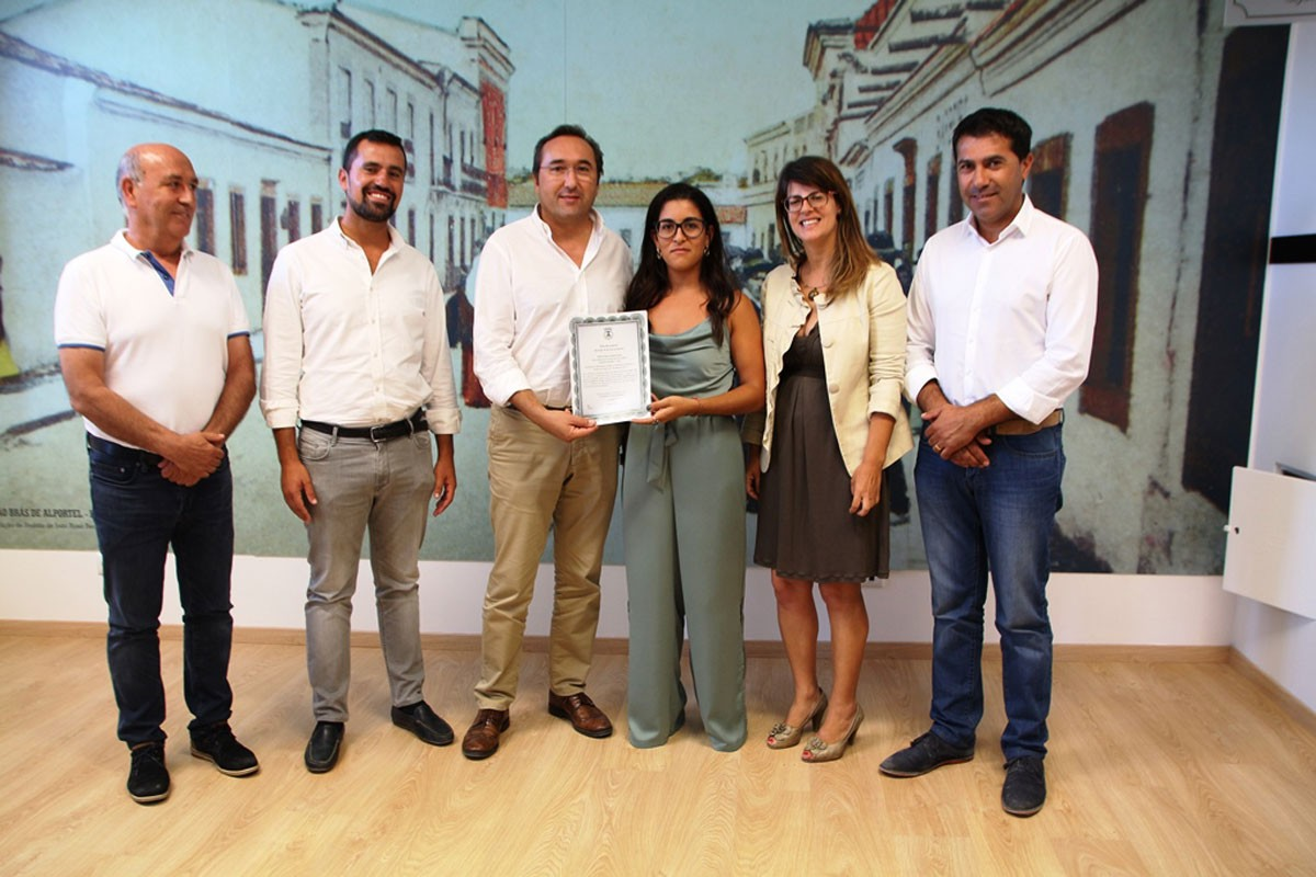 Photo of Municipality of São Brás de Alportel assigns vow of prize to Neuza Dias, Vice-National Boxing Champion