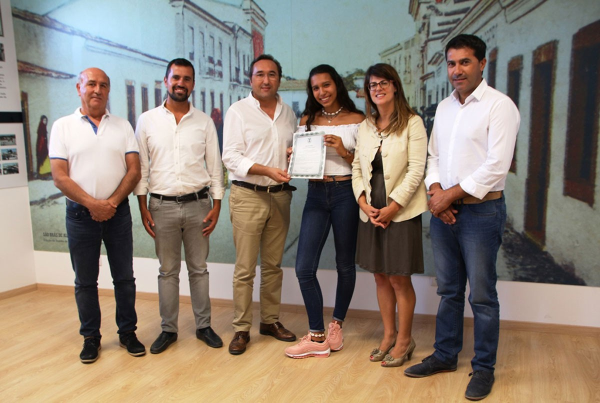 Photo of São Brás de Alportel Municipality awards a vote of praise to Beatriz Martins, Junior Regional Champion in Dressage