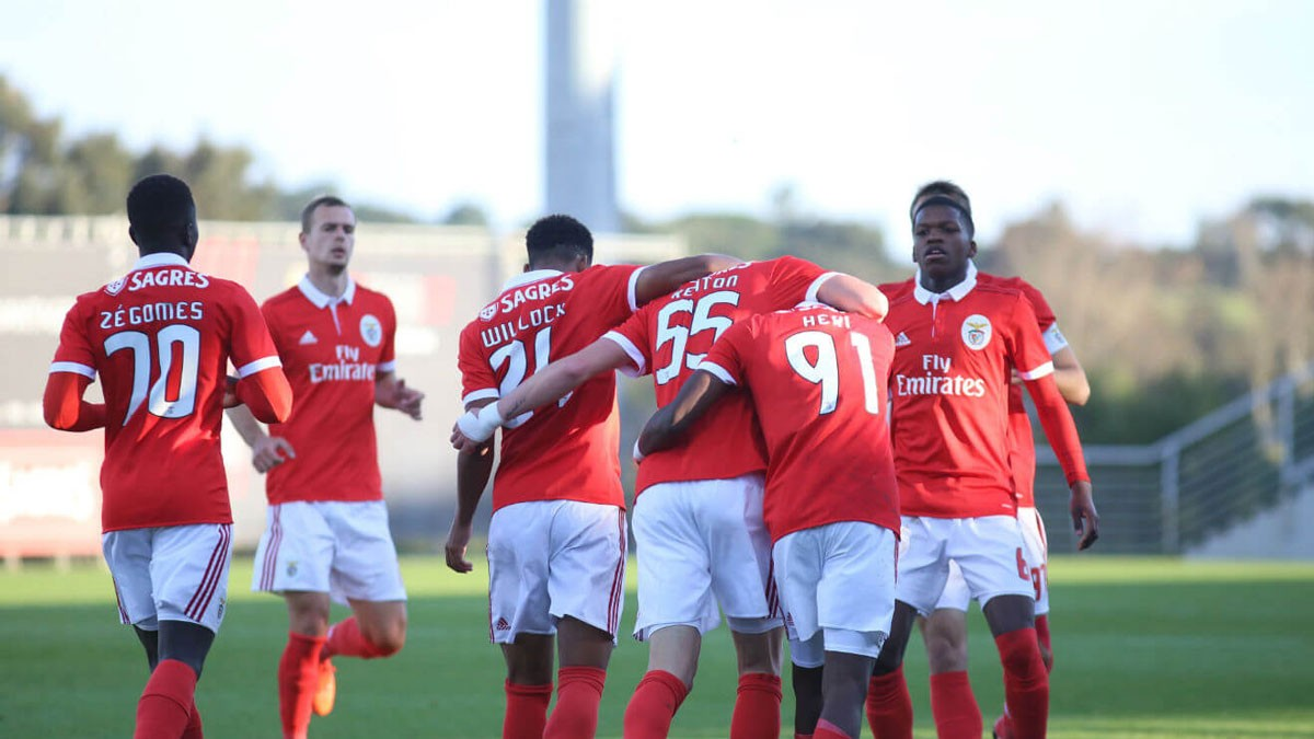Photo of Benfica B wins and leads the group in the Premier League International Cup
