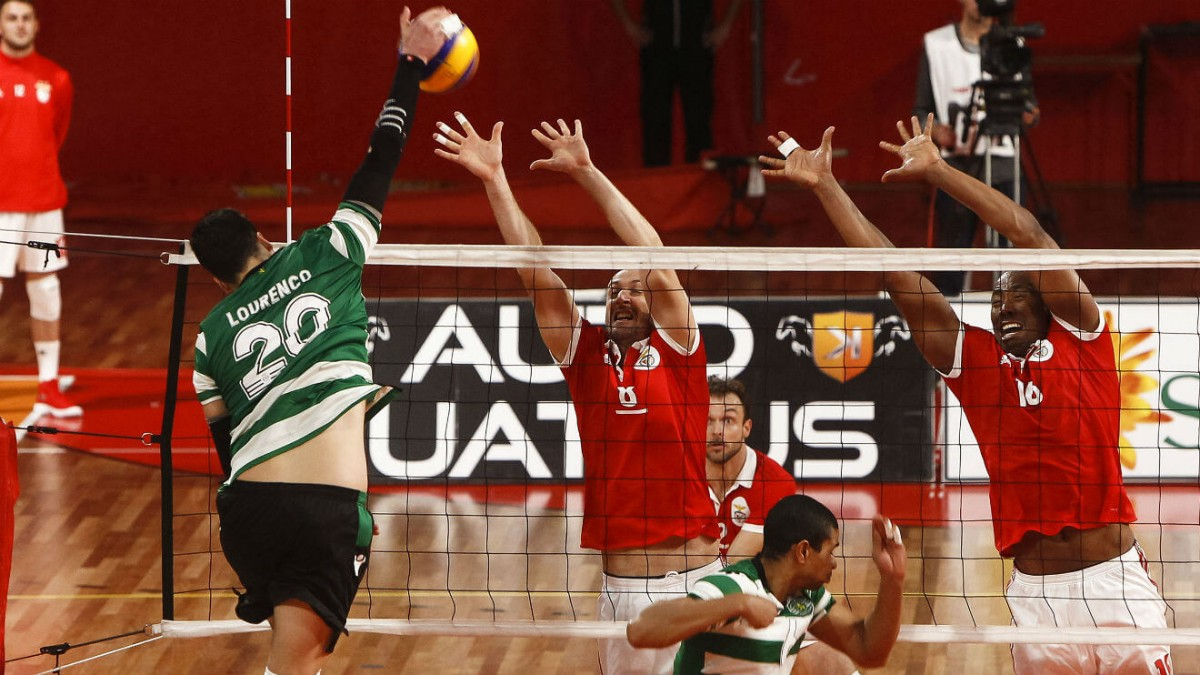 Photo of Benfica beat Sporting in volleyball classic