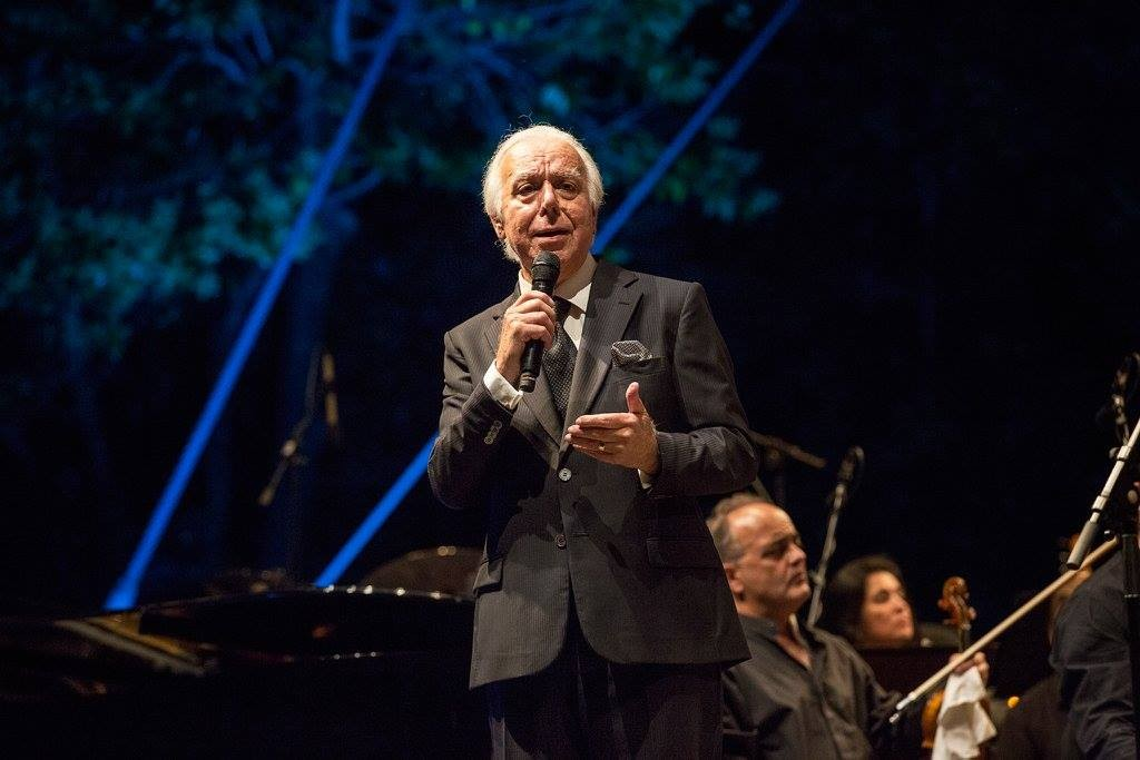 Photo of Stage Farewell – Carlos do Carmo