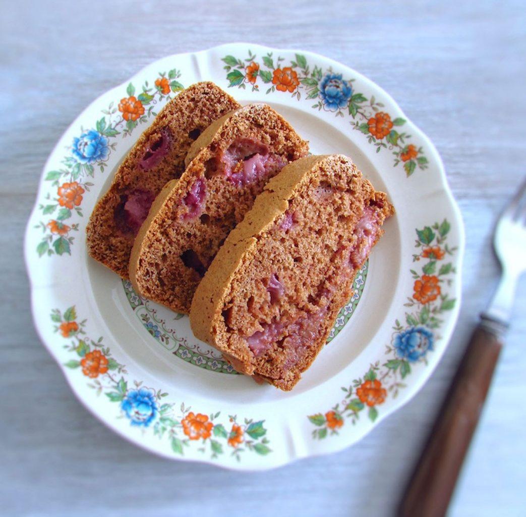 Photo of Recipes   Cinnamon and strawberry cake