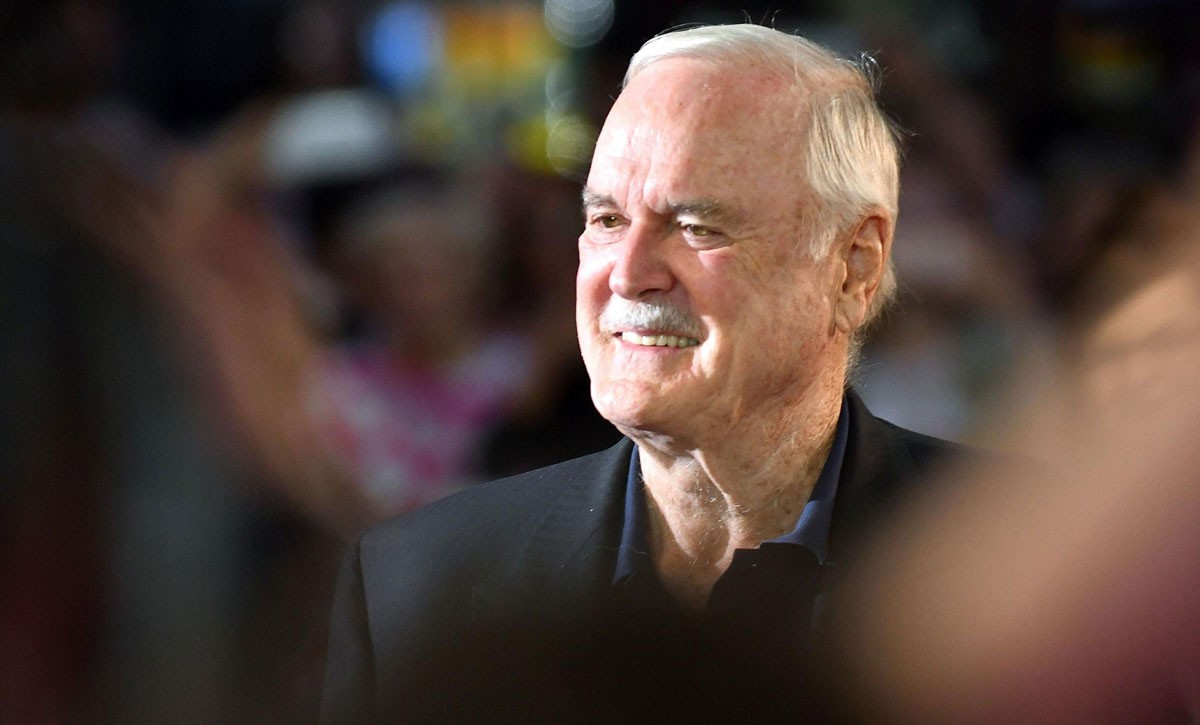 Photo of There is one more date to see John Cleese in Lisbon