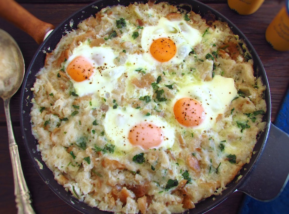 Photo of Recipes   Portuguese migas (crumbs) with poached eggs