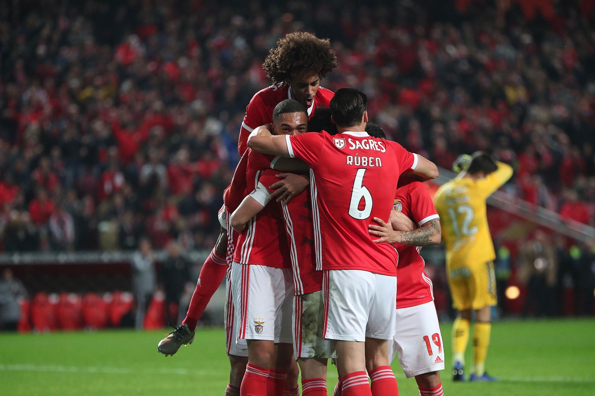Photo of Benfica beats Rio Ave in Luz