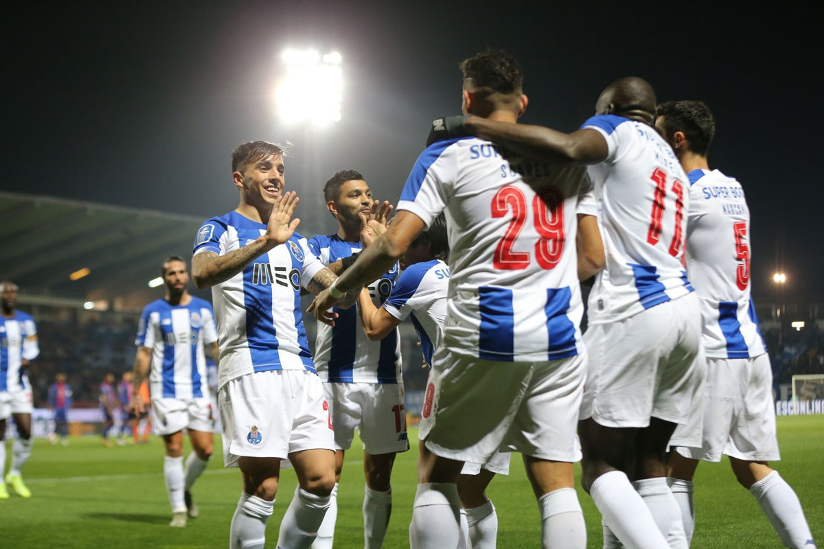 Photo of FC Porto beats Paços de Ferreira and gets closer to the title