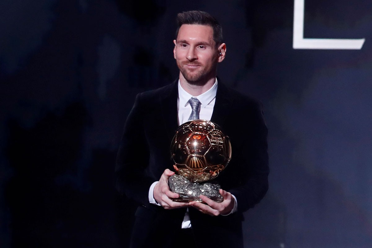 Photo of Messi wins the 2019 Ballon d'Or. Ronaldo takes third place