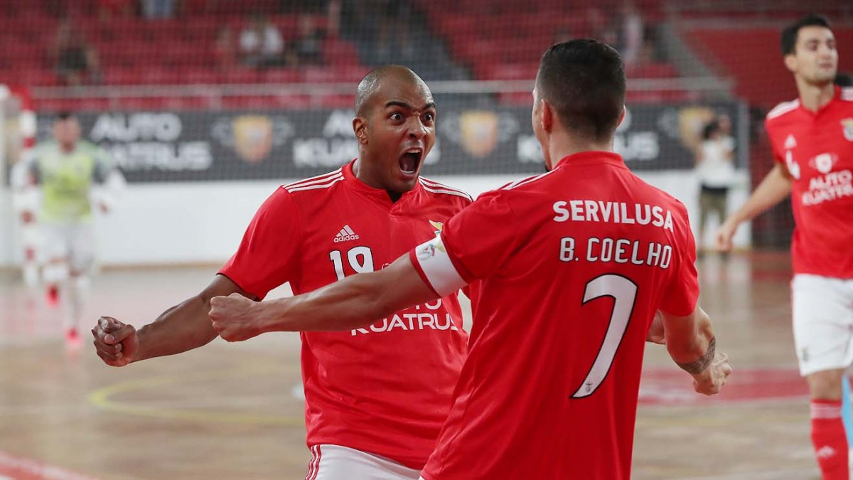 Photo of Benfica wins Eléctrico and is in the Futsal League Cup final